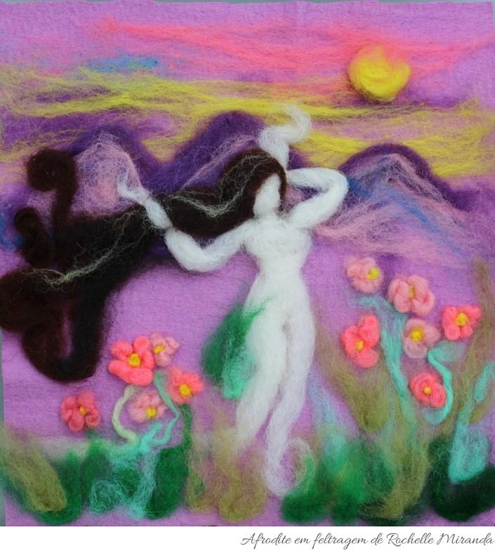 Afrodite em feltragem da artista Rochelle Miranda.