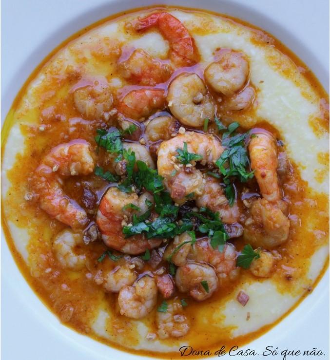 canjiquinha-com-camarao-shrimp-grits-dona-de-casa-so-que-nao