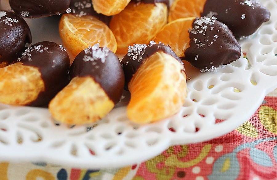 Mexericas cobertas com chocolate e sal