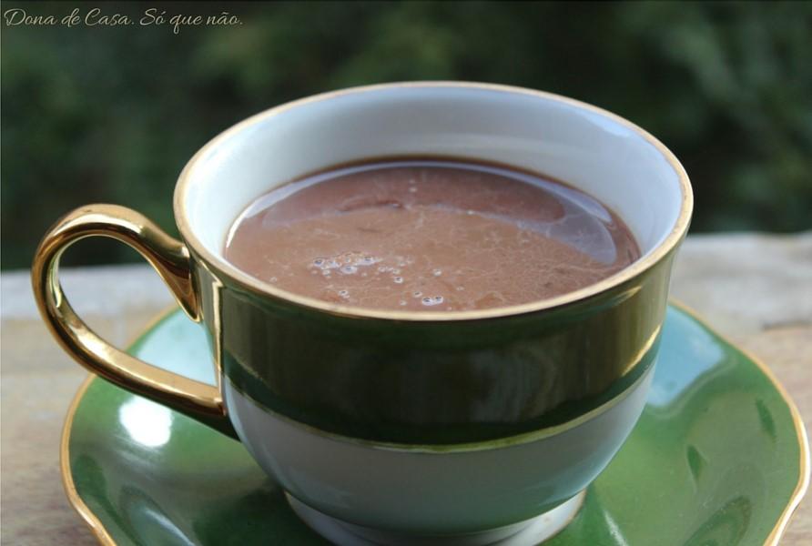 O chocolate quente dos sonhos na SUA casa! 1 Dona de Casa. Só que não.